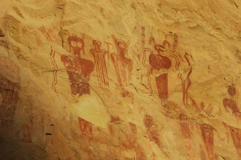 petroglyphs-800